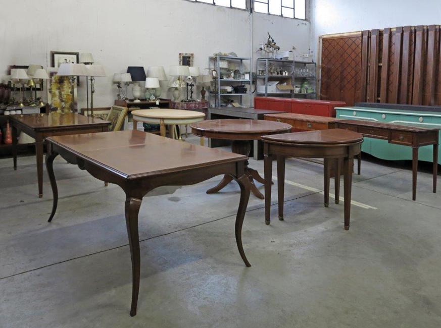 Assortimento di tavoli
